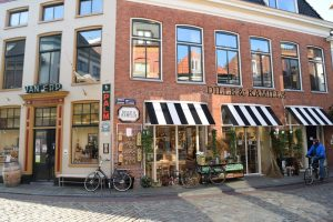 Kromme Elleboog straat in Groningen