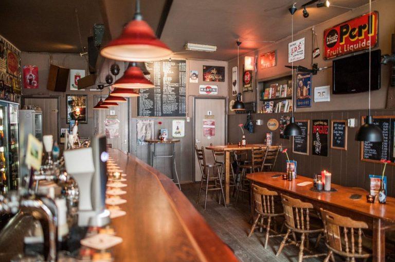 Thuiskomen in Bierlokaal Café de Koffer