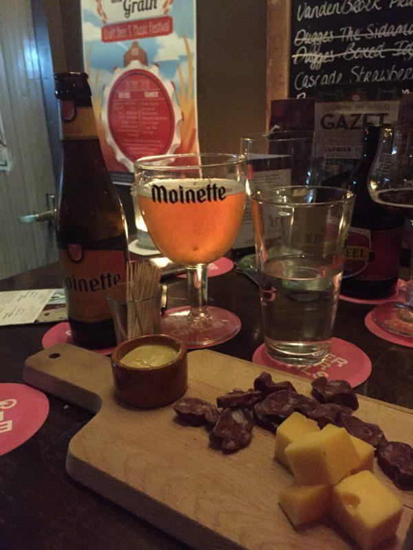 6bb8b0df1d3 Tip voor liefhebbers speciaalbier: Bierlokaal Café de Koffer in ...