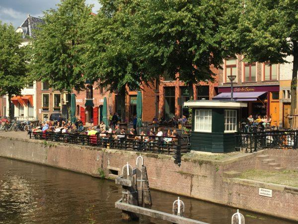 Terras aan het water Groningen: Café De Sigaar aan de Hooge der A