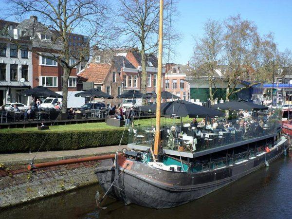 Terras Groningen: Ludina terras aan het water