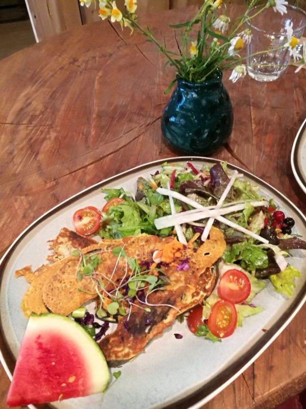 Biologisch en veganistisch restaurant De Herbivoor: lunchen met auberginesalade