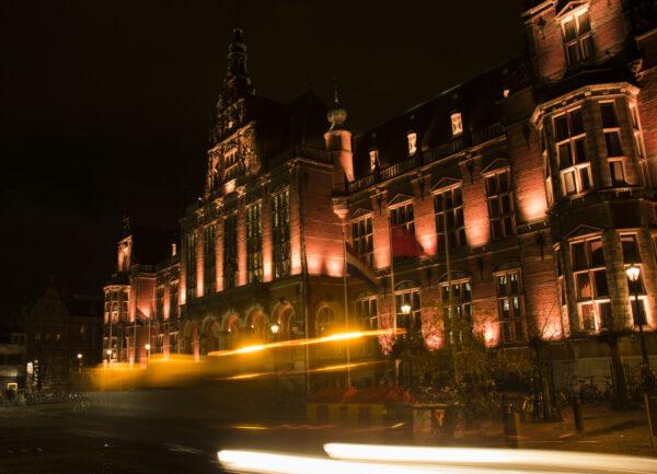 Stadswandeling Groningen: Lichtjes fototour Academiegebouw - door Ronn Perdok 2018