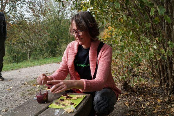 Wildplukken Groningen: Pauze met zelfgemaakte jam uit Stadspark