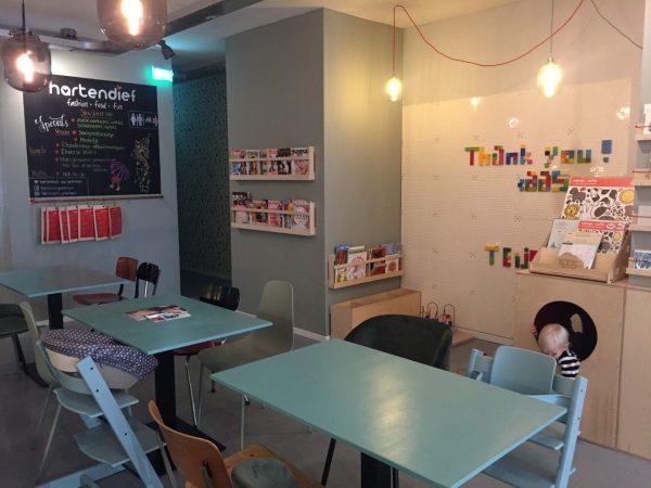 Kinderwinkel en restaurant met speelhoek Groningen
