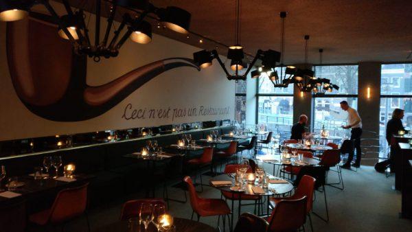 De Pijp Groningen: luxe restaurant met wine and dine - interieur Magritte