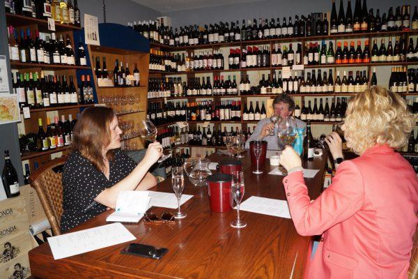 Wijnproeverij Groningen: Wijn en Spijs bij Hein Post Overwinningsplein Groningen