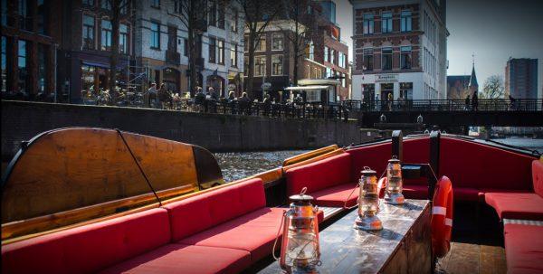 Rondvaart Groningen: boottocht met praam Rinus