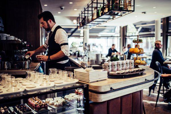 Wijn Groningen: stel je eigen wijnproeverij of high wine samen bij Barrel, Cappuvino en Frietwinkel - foto Cappuvino Marketing Groningen