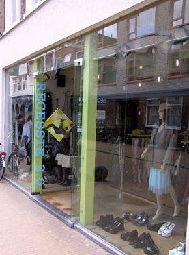 Vintage kledingwinkels Groningen: Recessie - foto van Facebook