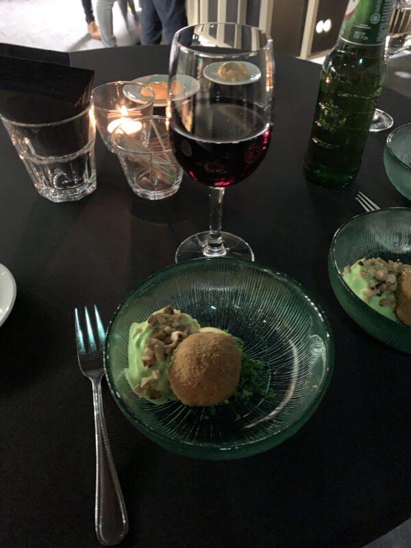 NOK: skybar en restaurant Forum Groningen. Uitzicht tijdens sneak peak met aaierbal nov 2019