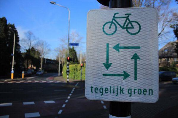 Fietsen Groningen: verkeersregels fietsers tegelijk groen