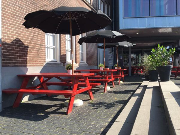 Koffie Groningen: terras het paleis groningen - foto Facebookpagina
