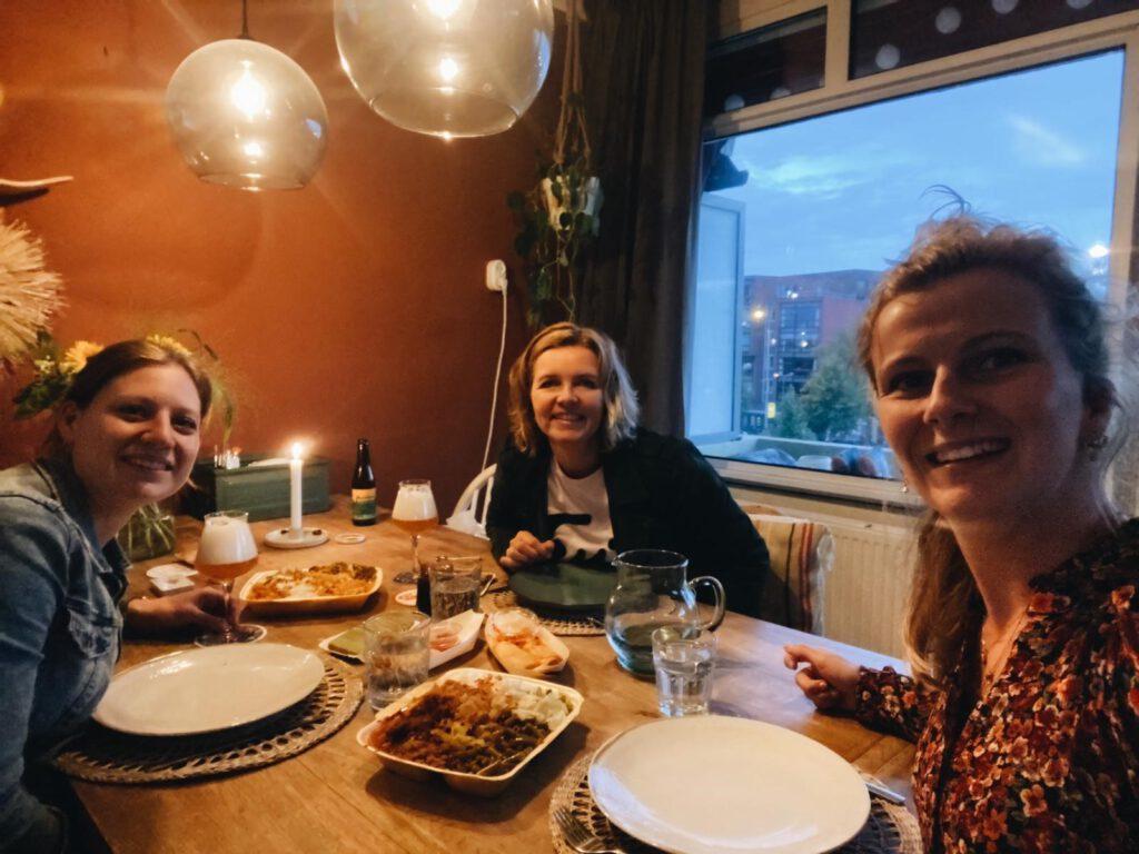 Lekker Indonesisch eten afhalen bij de Drive Indo Groningen