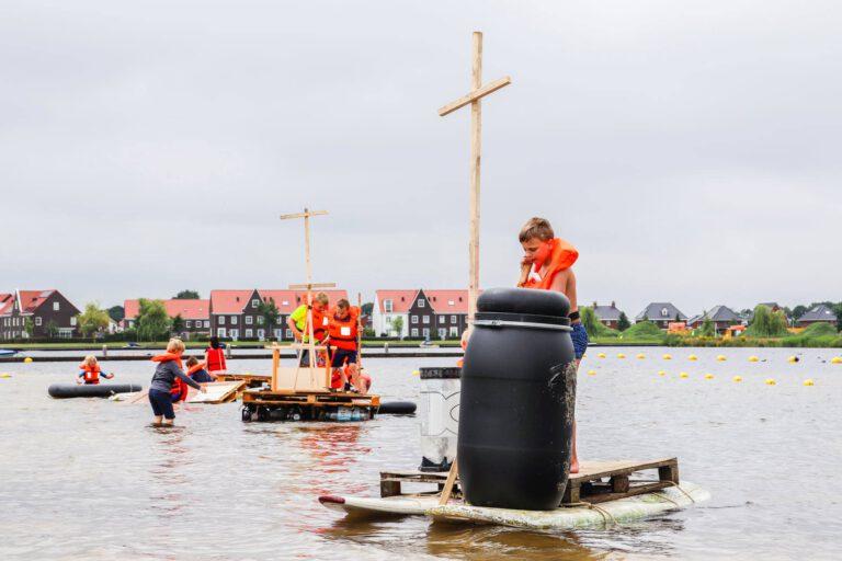 Kinderen bouwen deze zomer eigen vlot in Vlottendorp Meerstad