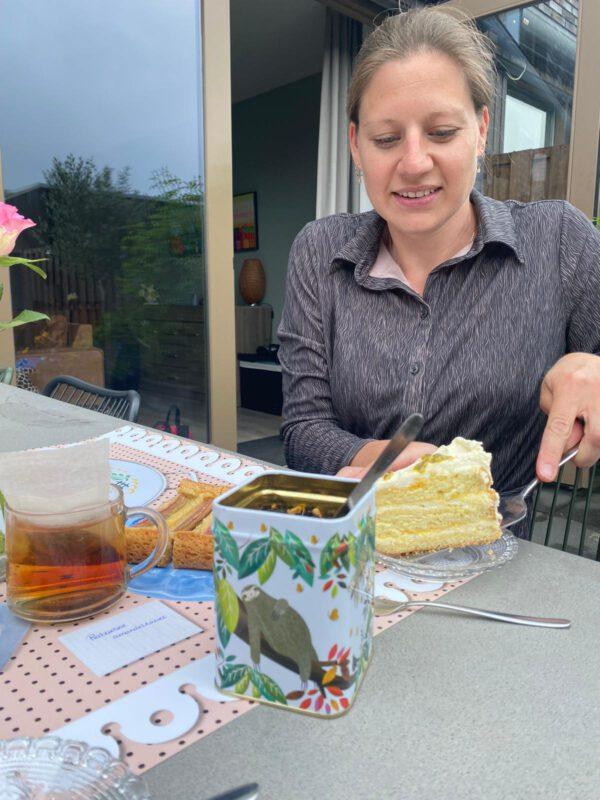 High Tea bestellen Groningen en laten bezorgen door Saakje het Bakmeisje