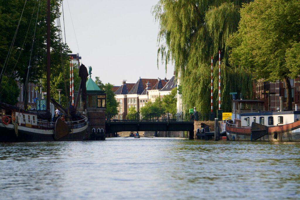 Groningen vanaf het water: Waterfietspret in Stad